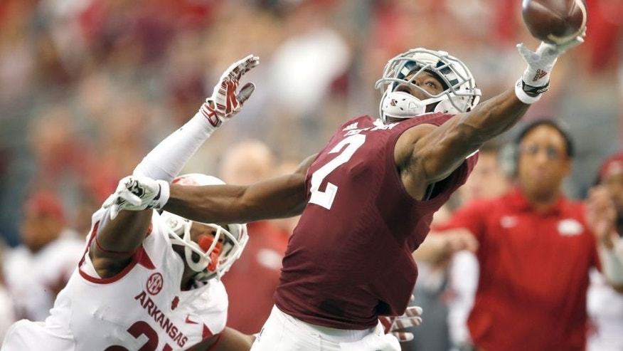 Sep 27, 2014; Arlington, TX, USA; Texas A&M Aggies receiver Speedy Noil (2) can not make the catch against Arkansas Razorbacks cornerback Carroll Washington (21) at AT&T Stadium. Mandatory Credit: Matthew Emmons-USA TODAY Sports
