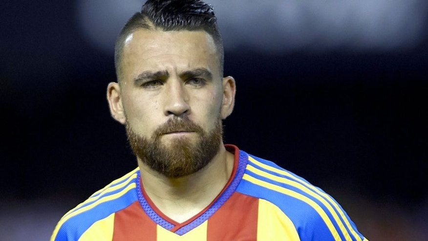 VALENCIA, SPAIN - AUGUST 08: Nicolas Otamendi of Valencia looks on prior to the pre-season friendly match between Valencia CF and AS Roma at Estadio Mestalla on August 8, 2015 in Valencia, Spain. (Photo by Manuel Queimadelos Alonso/Getty Images)