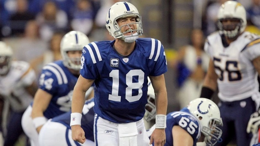INDIANAPOLIS - JANUARY 13: Peyton Manning #18 of the Indianapolis Colts calls out signals at the line of scrimmage against the San Diego Chargers during their AFC Divisional Playoff game at the RCA Dome on January 13, 2008 in Indianapolis, Indiana. The Chargers won 28-24. (Photo by Streeter Lecka/Getty Images)