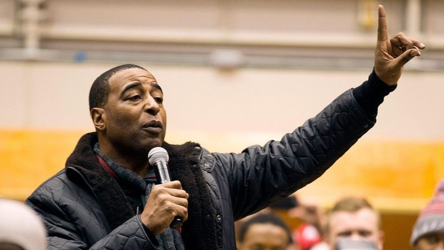 Nov 29, 2014; Columbus, OH, USA; Ohio State Buckeyes former player and NFL wide receiver Cris Carter addresses fans at the skull session before the game against the Michigan Wolverines at Ohio Stadium. Mandatory Credit: Greg Bartram-USA TODAY Sports