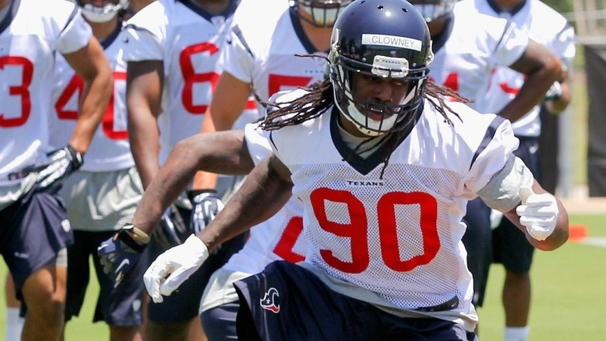 HOUSTON, TX - MAY 16: Jadeveon Clowney #90 of the Houston Texans during opening day of rookie minicamp on May 16, 2014 in Houston, Texas. (Photo by Bob Levey/Getty Images)