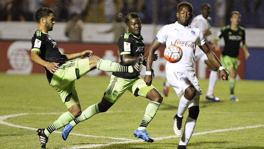 Action photo during the match CD Olimpia (HON) vs Seattle Sounders (USA) at Nacional de Tegucigalpa Stadium, Scotiabank CONCACAF Champions League 2015-2016. Foto de accion durante el Partido CD Olimpia (HON) vs Seattle Sounders (USA), Partido Correspondiente al Grupo F de la Liga de Campeones CONCACAF 2015-2016, en la foto: Romell Quioto 26/08/2015/MEXSPORT/ CONCACAF Estadio Nacional de Tegucigalpa