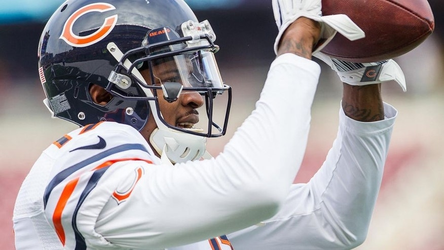 Dec 28, 2014; Minneapolis, MN, USA; Chicago Bears wide receiver Alshon Jeffery (17) warms up before the game against the Minnesota Vikings at TCF Bank Stadium. The Minnesota Vikings win 13-9. Mandatory Credit: Brad Rempel-USA TODAY Sports