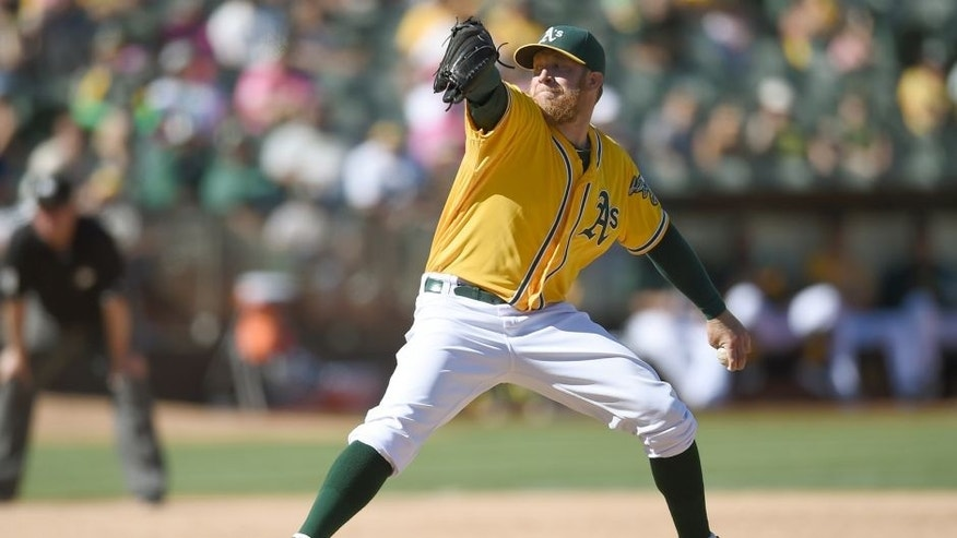 OAKLAND, CA - SEPTEMBER 06: Sean Doolittle #62 of the Oakland Athletics pitches against the Seattle Mariners in the top of the ninth inning at O.co Coliseum on September 6, 2015 in Oakland, California. (Photo by Thearon W. Henderson/Getty Images)