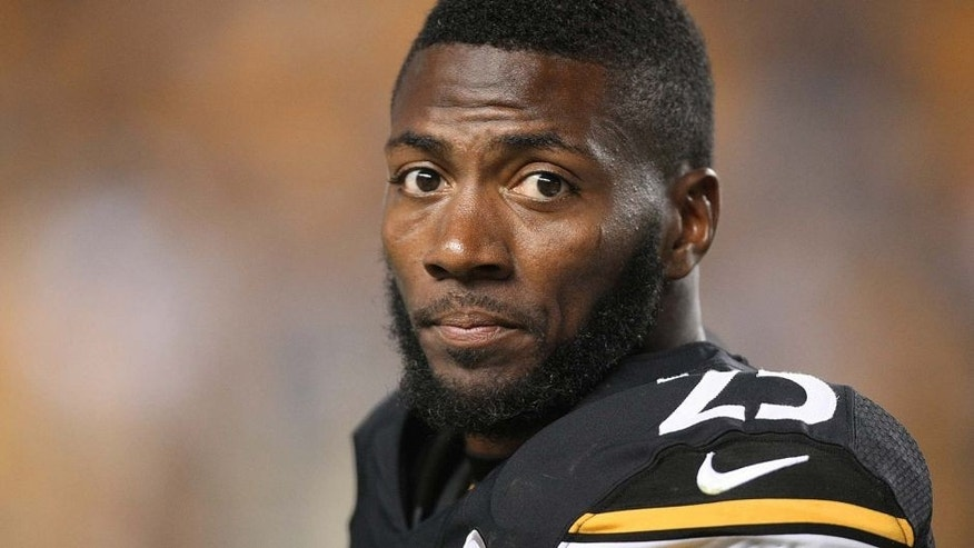 Aug 10, 2013; Pittsburgh, PA, USA; Pittsburgh Steelers safety Ryan Clark (25) on the sidelines against the New York Giants during the second half at Heinz Field. The Giants won the game, 18-13. Mandatory Credit: Jason Bridge-USA TODAY Sports