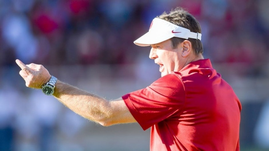 LUBBOCK, TX - NOVEMBER 15: Head coach Bob Stoops of the Oklahoma Sooners during the game against the Texas Tech Red Raiders on November 15, 2014 at Jones AT&T Stadium in Lubbock, Texas. Oklahoma won the game 42-30. (Photo by John Weast/Getty Images)