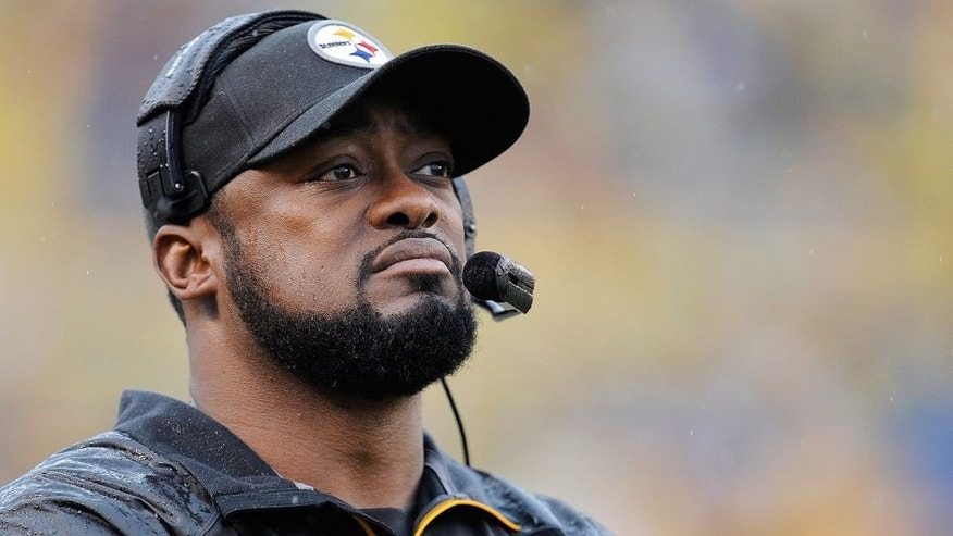 PITTSBURGH, PA - NOVEMBER 17 : Head Coach Mike Tomlin of the Pittsburgh Steelers looks on during the game against the Detroit Lions on November 17, 2013 at Heinz Field in Pittsburgh, Pennsylvania. (Photo by Joe Sargent/Getty Images)