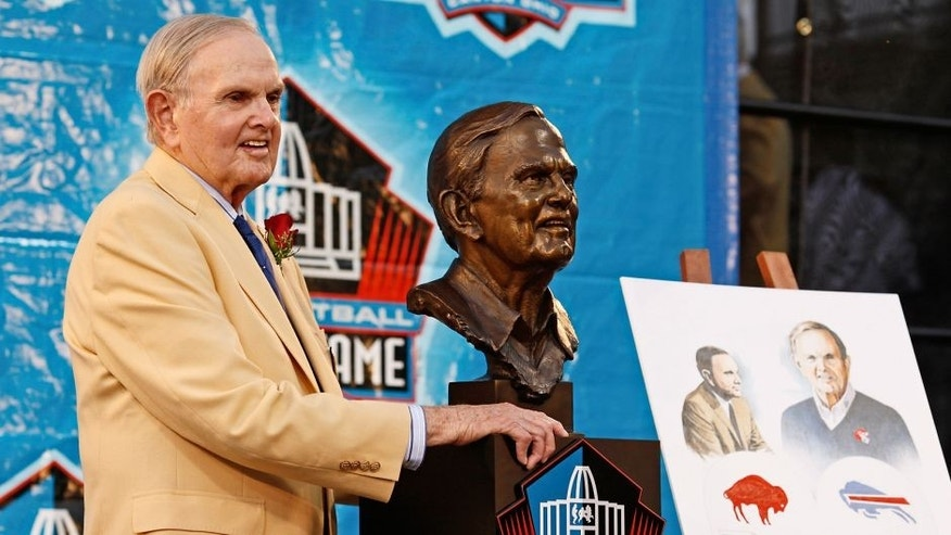 CANTON, OH - AUGUST 8: Buffalo Bills founder Ralph Wilson Jr. poses with his bust at his induction into the Pro Football Hall of Fame during the 2009 enshrinement ceremony at Fawcett Stadium on August 8, 2009 in Canton, Ohio. (Photo by Joe Robbins/Getty Images)