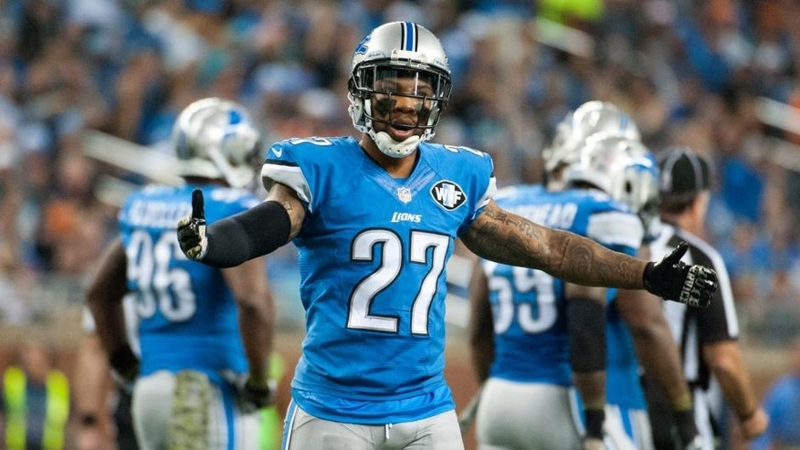 Nov 9, 2014; Detroit, MI, USA; Detroit Lions free safety Glover Quin (27) during the second quarter against the Miami Dolphins at Ford Field. Mandatory Credit: Tim Fuller-USA TODAY Sports