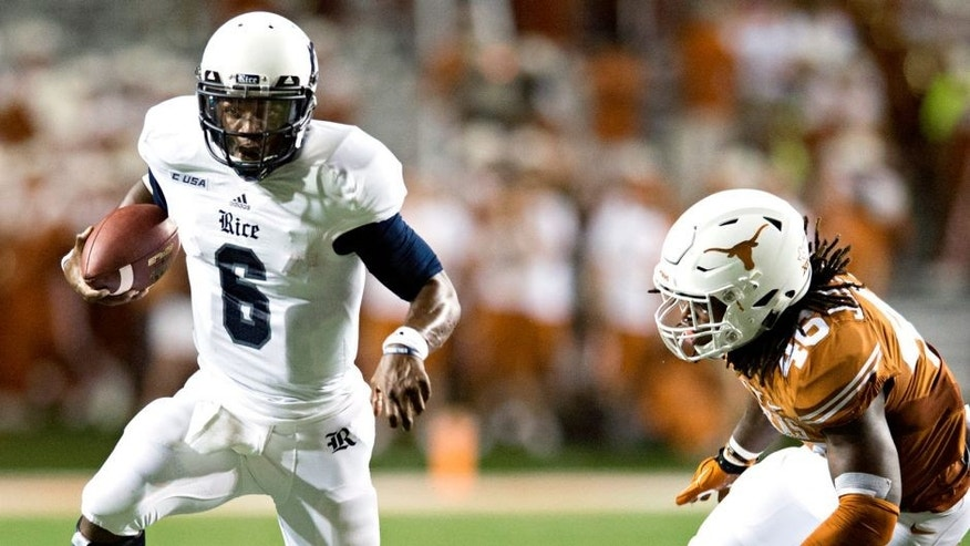AUSTIN, TX - SEPTEMBER 12: Driphus Jackson #6 of the Rice Owls scrambles against the Texas Longhorns during the second quarter on September 12, 2015 at Darrell K Royal-Texas Memorial Stadium in Austin, Texas. (Photo by Cooper Neill/Getty Images)