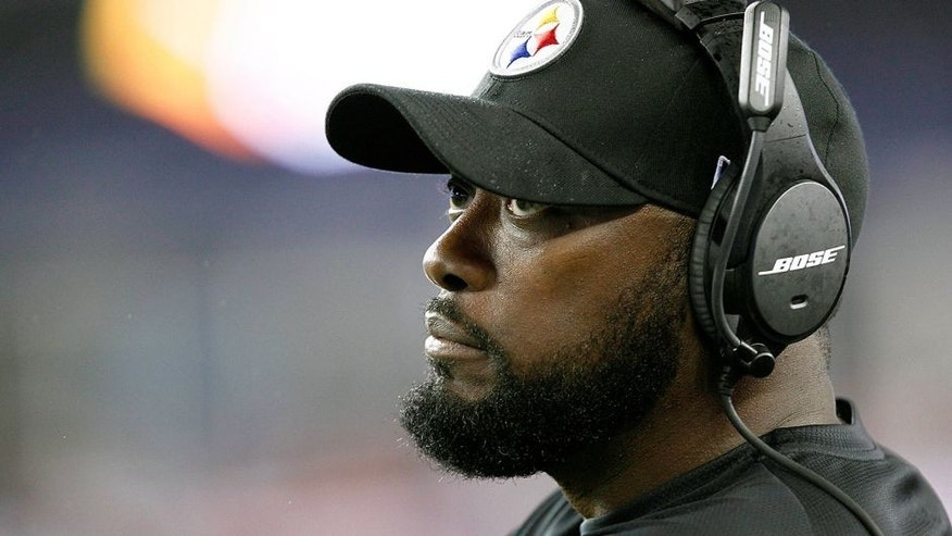 Sep 10, 2015; Foxborough, MA, USA; Pittsburgh Steelers head coach Mike Tomlin reacts against the New England Patriots during the second half at Gillette Stadium. Mandatory Credit: Mark L. Baer-USA TODAY Sports