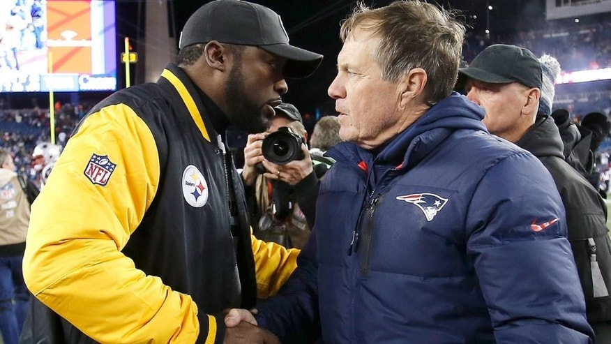 FOXBORO, MA - NOVEMBER 3: Bill Belichick of the New England Patriots shakes hands with Mike Tomlin of the Pittsburgh Steelers after their game at Gillette Stadium on November 3, 2013 in Foxboro, Massachusetts. (Photo by Jim Rogash/Getty Images)