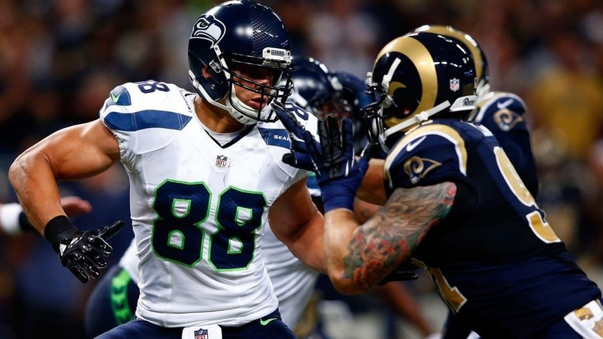ST LOUIS, MO - SEPTEMBER 13: Tight end Jimmy Graham #88 of the Seattle Seahawks in action during the game against the Seattle Seahawks at Edward Jones Dome on September 13, 2015 in St Louis, Missouri. (Photo by Jamie Squire/Getty Images)