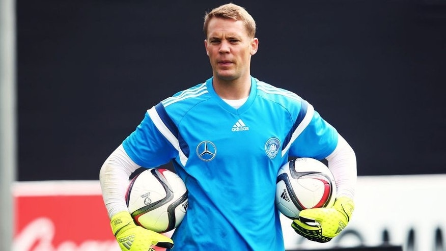 FRANKFURT AM MAIN, GERMANY - SEPTEMBER 02: Goalkeeper Manuel Neuer attends a Germany training session at 'Kleine Kampfbahn' training ground on September 2, 2015 in Frankfurt am Main, Germany. (Photo by Alex Grimm/Bongarts/Getty Images)
