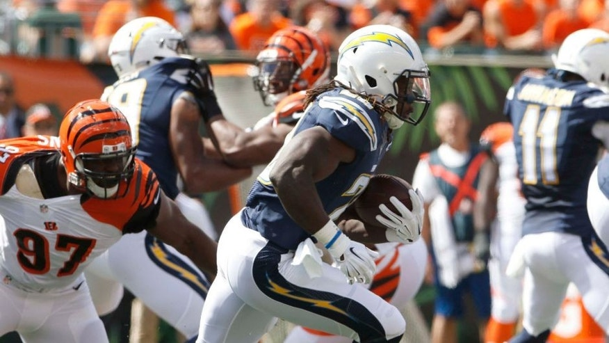 Sep 20, 2015; Cincinnati, OH, USA; San Diego Chargers running back Melvin Gordon (28) runs the ball against the Cincinnati Bengals in the first quarter at Paul Brown Stadium. Mandatory Credit: Mark Zerof-USA TODAY Sports