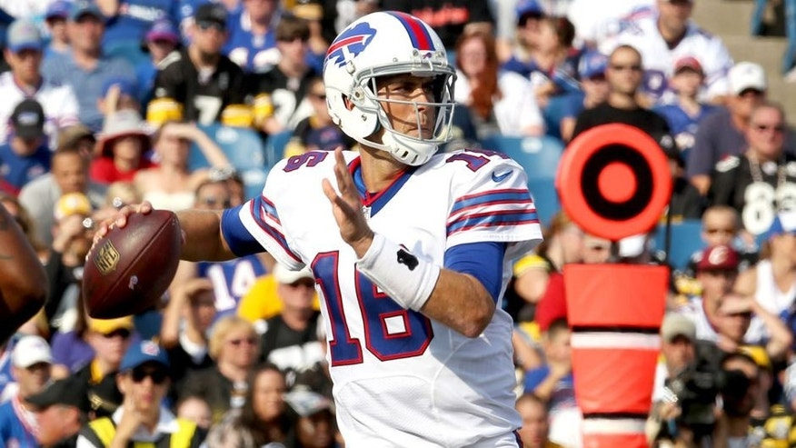 Aug 29, 2015; Orchard Park, NY, USA; Buffalo Bills quarterback Matt Cassel (16) looks to make a pass during the first half against the Pittsburgh Steelers at Ralph Wilson Stadium. Mandatory Credit: Timothy T. Ludwig-USA TODAY Sports