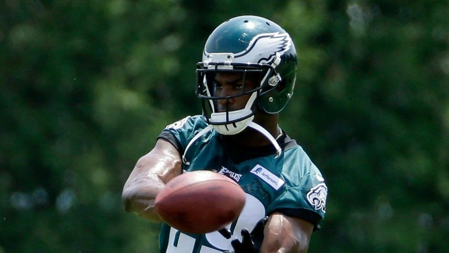 FILE - In this Thursday, May 28, 2015, file photo, Philadelphia Eagles' DeMarco Murray participates in a drill during organized team activities at the NFL football team's practice facility in Philadelphia. (AP Photo/Matt Slocum, File)