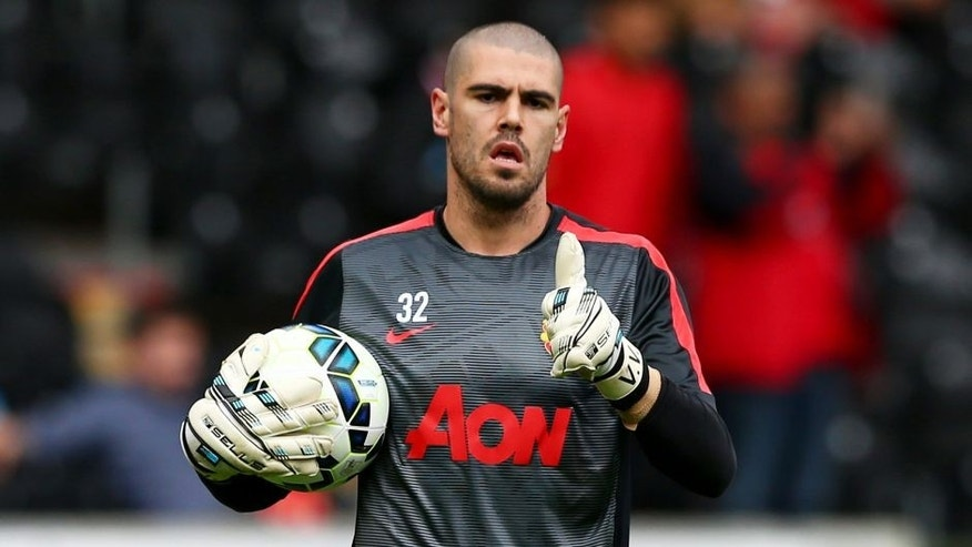 HULL, ENGLAND - MAY 24: Victor Valdes of Manchester United warms up prior to the Barclays Premier League match between Hull City and Manchester United at KC Stadium on May 24, 2015 in Hull, England. (Photo by Matthew Lewis/Getty Images)