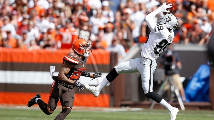CLEVELAND, OH - SEPTEMBER 27: Amari Cooper #89 of the Oakland Raiders makes a catch in front of Joe Haden #23 of the Cleveland Browns during the first quarter at FirstEnergy Stadium on September 27, 2015 in Cleveland, Ohio. (Photo by Joe Robbins/Getty Images)