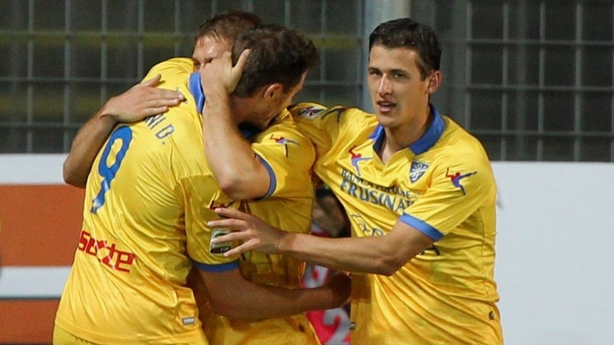 FROSINONE, ITALY - SEPTEMBER 28: Federico Dionisi (C) with his teammates of Frosinone Calcio celebrates after scoring the opening goal during the Serie A match between Frosinone Calcio and Empoli FC at Stadio Matusa on September 28, 2015 in Frosinone, Italy. (Photo by Paolo Bruno/Getty Images)