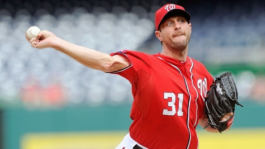 WASHINGTON, DC - SEPTEMBER 28: Max Scherzer #31 of the Washington Nationals pitches in the first inning against the Cincinnati Reds at Nationals Park on September 28, 2015 in Washington, DC. (Photo by Greg Fiume/Getty Images)
