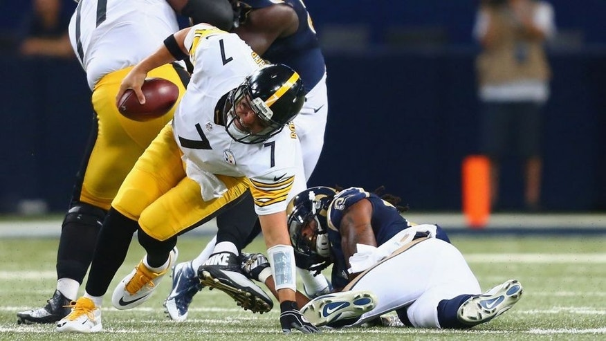 ST. LOUIS, MO - SEPTEMBER 27: Ben Roethlisberger #7 of the Pittsburgh Steelers injures himself while avoiding the rush against the St. Louis Rams in the third quarter at the Edward Jones Dome on September 27, 2015 in St. Louis, Missouri. (Photo by Dilip Vishwanat/Getty Images)