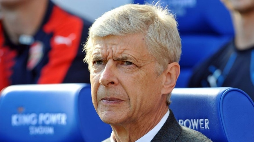 LEICESTER, ENGLAND - SEPTEMBER 26: Manager Arsene Wenger of Arsenal ahead of the Barclays Premier League match between Leicester City and Arsenal at the King Power Stadium on September 26th , 2015 in Leicester, United Kingdom. (Photo by Plumb Images/Leicester City FC via Getty Images)