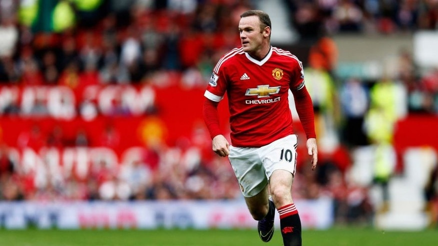 MANCHESTER, ENGLAND - SEPTEMBER 26: Wayne Rooney of Manchester United in action during the Barclays Premier League match between Manchester United and Sunderland at Old Trafford on September 26, 2015 in Manchester, United Kingdom. (Photo by Dean Mouhtaropoulos/Getty Images)