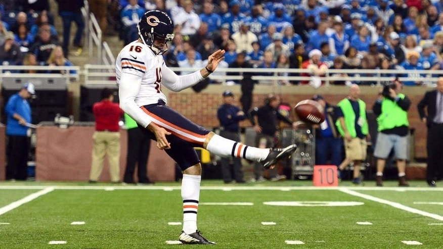 Nov 27, 2014; Detroit, MI, USA; Chicago Bears punter Pat O'Donnell (16) against the Detroit Lions at Ford Field. Mandatory Credit: Andrew Weber-USA TODAY Sports