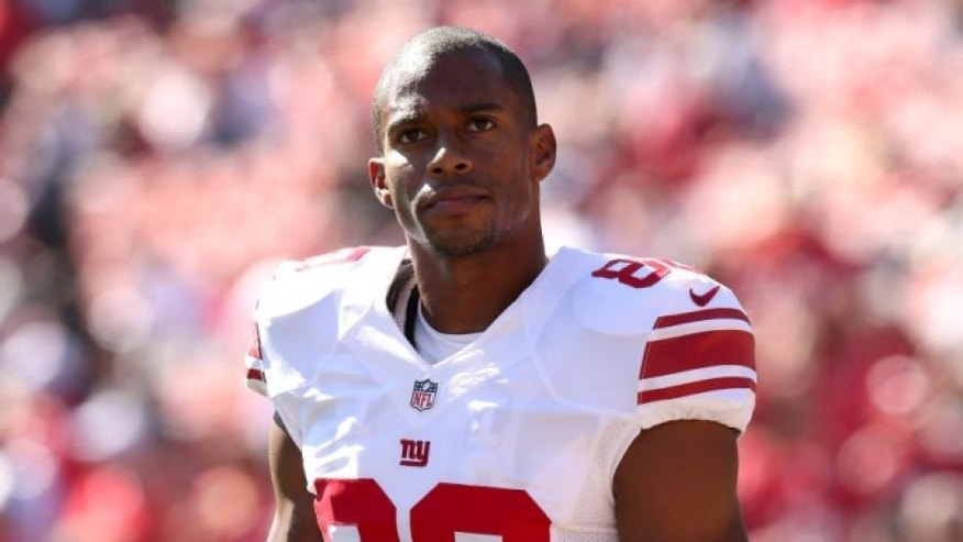 SAN FRANCISCO, CA - OCTOBER 14: Wide receiver Victor Cruz #80 of the New York Giants warms up for the game with the San Francisco 49ers at Candlestick Park on October 14, 2012 in San Francisco, California. (Photo by Stephen Dunn/Getty Images)