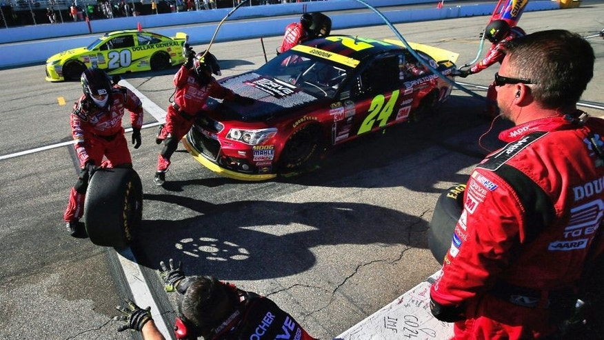 LOUDON, NH - SEPTEMBER 27: Jeff Gordon, driver of the #24 Drive To End Hunger Chevrolet, pits during the NASCAR Sprint Cup Series SYLVANIA 300 at New Hampshire Motor Speedway on September 27, 2015 in Loudon, New Hampshire. (Photo by Chris Trotman/Getty Images)