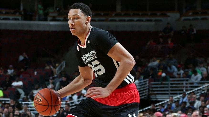Apr 1, 2015; Chicago, IL, USA; McDonalds High School All American East forward Ben Simmons (25) dribbles on the perimeter during the McDonalds High School All American Game at the United Center. Mandatory Credit: Brian Spurlock-USA TODAY Sports