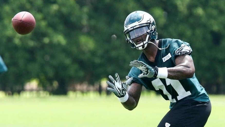 Jun 17, 2014; Philadelphia, PA, USA; Philadelphia Eagles wide receiver Josh Huff (11) catches the ball during mini camp at the Philadelphia Eagles NovaCare Complex. Mandatory Credit: Bill Streicher-USA TODAY Sports
