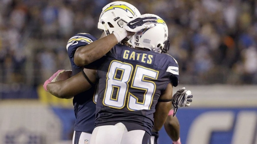 SAN DIEGO, CA - OCTOBER 12: Tight end Antonio Gates #85 of the San Diego Chargers celebrates after a touchdown reception against the Pittsburgh Steelers at Qualcomm Stadium on October 12, 2015 in San Diego, California. (Photo by Jeff Gross/Getty Images)