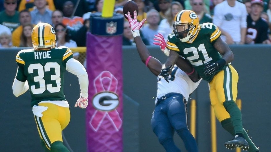 <p>Oct 11, 2015; Green Bay, WI, USA; Green Bay Packers safety Ha Ha Clinton-Dix (21) is called for pass interference on a pass intended for St. Louis Rams tight end Jared Cook (89) in the first quarter at Lambeau Field. Mandatory Credit: Benny Sieu-USA TODAY Sports</p>