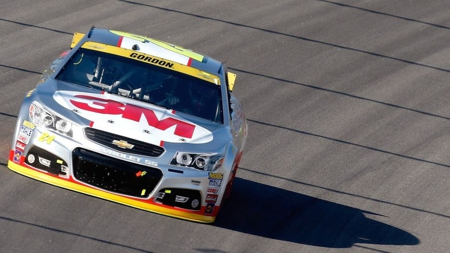 Jeff Gordon, driver of the #24 3M Chevrolet, races during the NASCAR Sprint Cup Series Hollywood Casino 400 at Kansas Speedway on October 18, 2015 in Kansas City, Kansas. (Photo by Matt Sullivan/Getty Images)