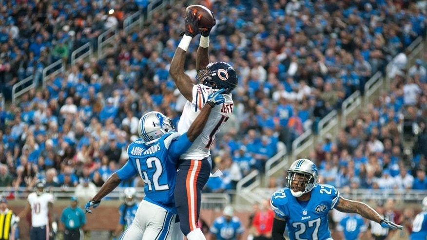 Oct 18, 2015; Detroit, MI, USA; Chicago Bears wide receiver Alshon Jeffery (17) catches a touchdown pass in front of Detroit Lions strong safety Isa Abdul-Quddus (42) during the fourth quarter at Ford Field. Mandatory Credit: Tim Fuller-USA TODAY Sports