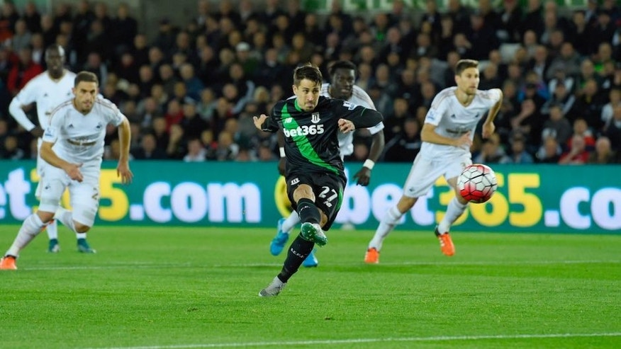 SWANSEA, WALES - OCTOBER 19: Bojan Krkic of Stoke City scores their first goal from the penalty spot during the Barclays Premier League match between Swansea City and Stoke City at Liberty Stadium on October 19, 2015 in Swansea, Wales. (Photo by Stu Forster/Getty Images)