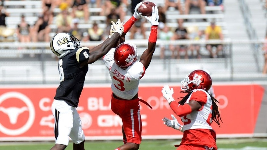 Oct 24, 2015; Orlando, FL, USA; Houston Cougars defensive back William Jackson III (3) intercepts a pass against UCF Knights during the first half at Bright House Networks Stadium. Mandatory Credit: Jonathan Dyer-USA TODAY Sports