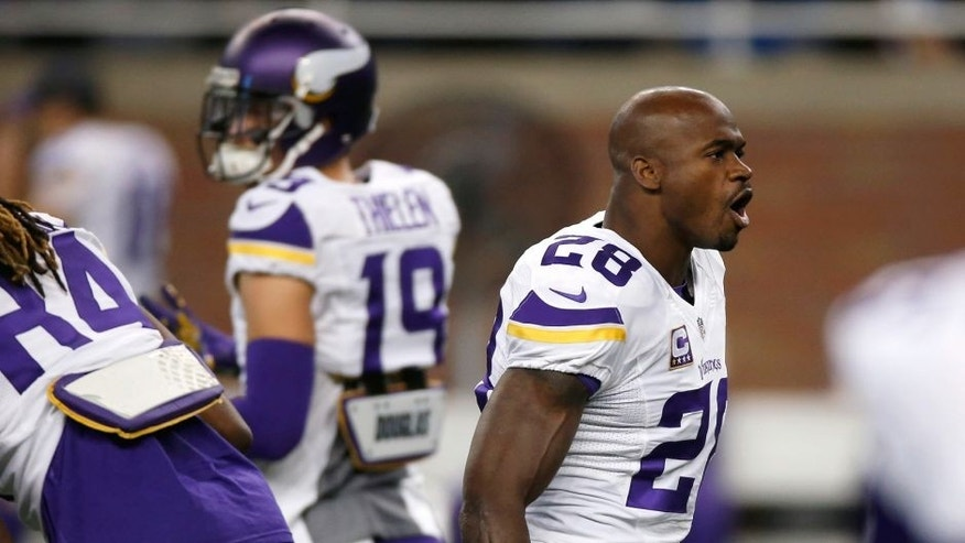 DETROIT, MI - OCTOBER 25: Adrian Peterson #28 of the Minnesota Vikings warms up prior to playing the Detroit Lions at Ford Field on October 25, 2015 in Detroit, Michigan. (Photo by Gregory Shamus/Getty Images)