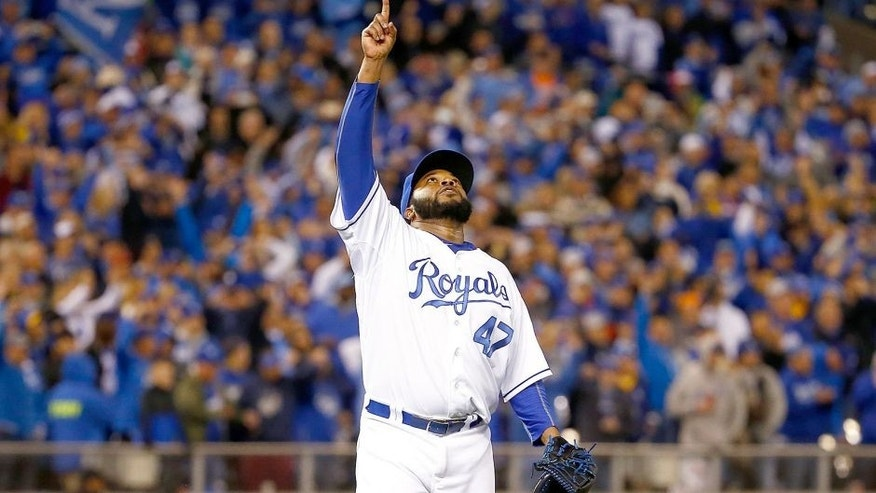 KANSAS CITY, MO - OCTOBER 28: Johnny Cueto #47 of the Kansas City Royals celebrates defeating the New York Mets 7-1 in Game Two of the 2015 World Series at Kauffman Stadium on October 28, 2015 in Kansas City, Missouri. (Photo by Jamie Squire/Getty Images)
