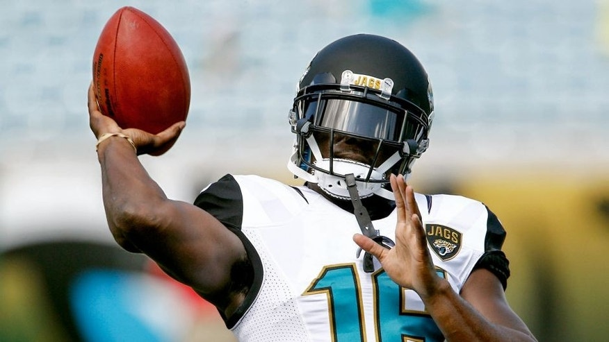 Sep 20, 2015; Jacksonville, FL, USA; Jacksonville Jaguars running back Denard Robinson (16) warms up before the start of an NFL football game against the Miami Dolphins at EverBank Field. Mandatory Credit: Reinhold Matay-USA TODAY Sports