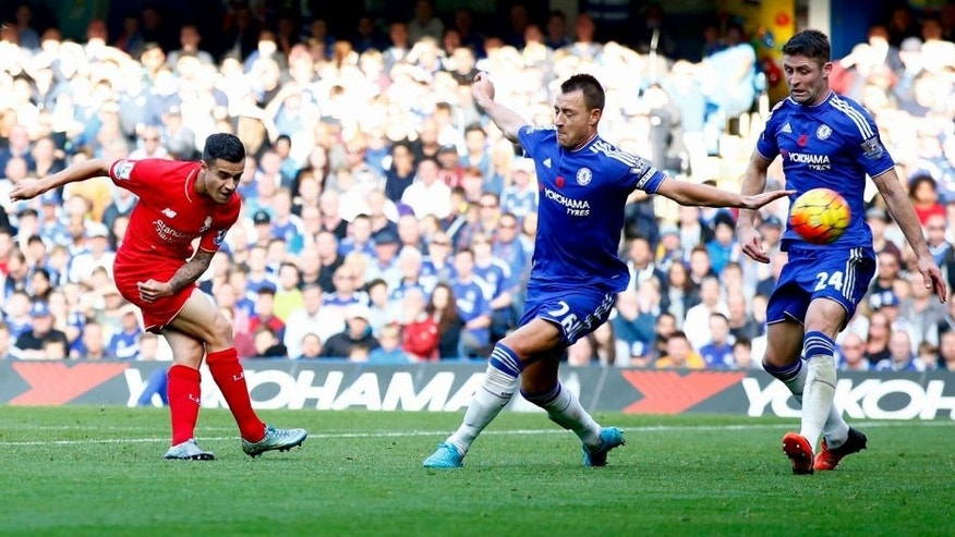 LONDON, ENGLAND - OCTOBER 31: Philippe Coutinho of Liverpool scores his team's second goal during the Barclays Premier League match between Chelsea and Liverpool at Stamford Bridge on October 31, 2015 in London, England. (Photo by Clive Rose/Getty Images)