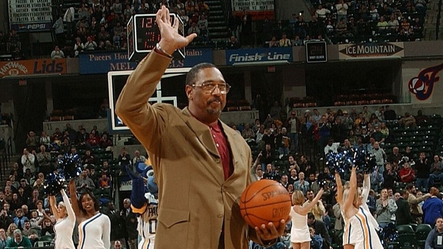 INDIANAPOLIS - JANUARY 28: Former ABA great and Indiana Pacer Mel Daniels waves to the crowd as he is honored prior to the start of the Pacer game with the Phoenix Suns January 28, 2004 at Conseco Fieldhouse in Indianapolis, Indiana. NOTE TO USER: User expressly acknowledges and agress that, by downloading and or using this photograph, User is consenting to the terms and conditions of the Getty Images License Agreement. (Photo by Ron Hoskins/NBAE via Getty Images)