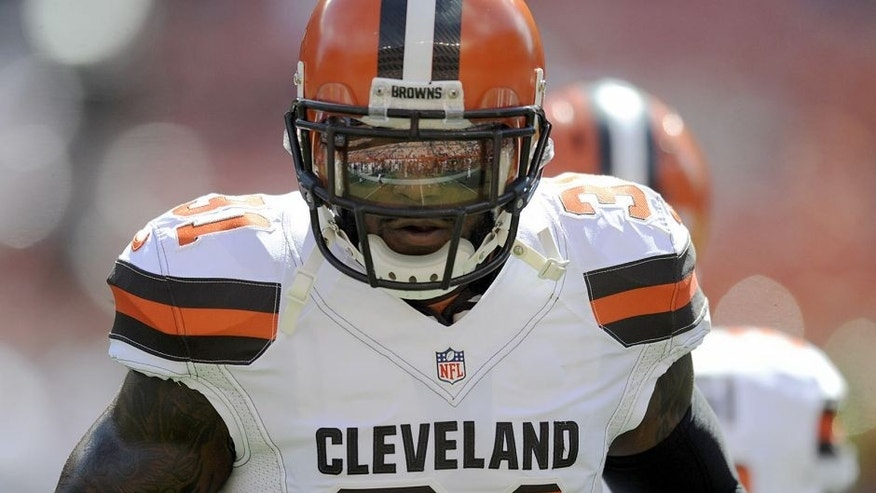CLEVELAND, OH - SEPTEMBER 20, 2015: Safety Donte Whitner #31 of the Cleveland Browns runs onto the field prior to a game against the Tennessee Titans on September 20, 2015 at FirstEnergy Stadium in Cleveland, Ohio. Cleveland won 28-14. (Photo by Nick Cammett/Diamond Images/Getty Images)