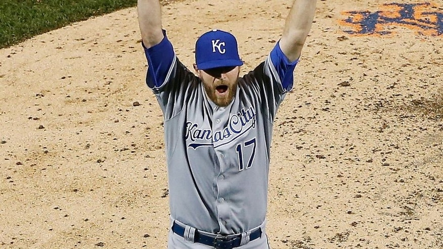 NEW YORK, NY - NOVEMBER 01: Wade Davis #17 of the Kansas City Royals celebrates defeating the New York Mets to win Game Five of the 2015 World Series at Citi Field on November 1, 2015 in the Flushing neighborhood of the Queens borough of New York City. The Kansas City Royals defeated the New York Mets with a score of 7 to 2 to win the World Series. (Photo by Tim Bradbury/Getty Images)