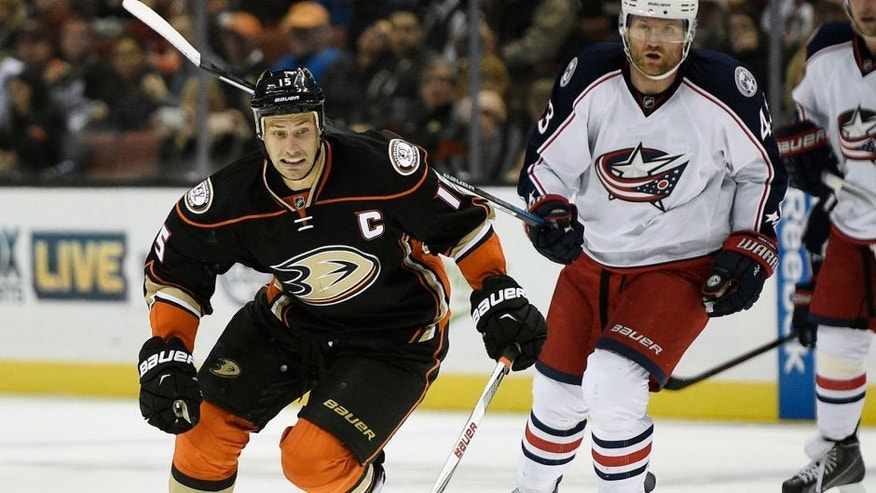 Nov 6, 2015; Anaheim, CA, USA; Anaheim Ducks center Ryan Getzlaf (15) moves the puck down the ice against the Columbus Blue Jackets during the second period at Honda Center. Mandatory Credit: Kelvin Kuo-USA TODAY Sports