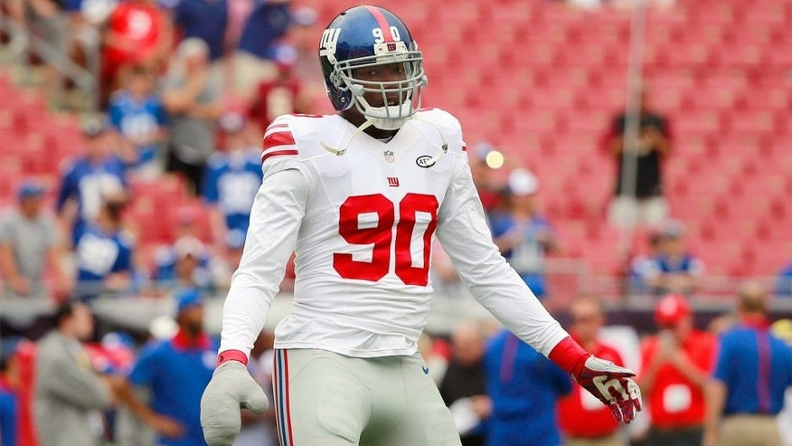 Nov 8, 2015; Tampa, FL, USA; New York Giants defensive end Jason Pierre-Paul (90) works out prior to the game against the Tampa Bay Buccaneers at Raymond James Stadium. Mandatory Credit: Kim Klement-USA TODAY Sports