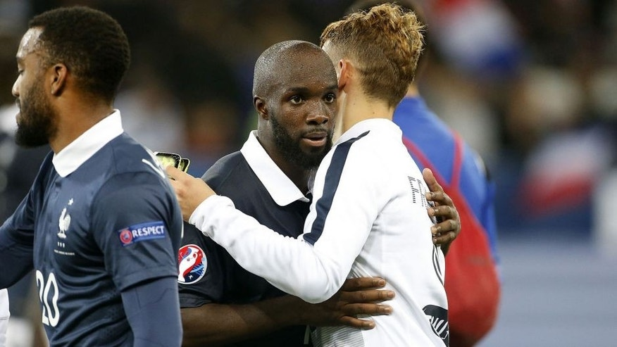 NICE, FRANCE - OCTOBER 8: Lassana Diarra of France greets his teammates after the international friendly match between France and Armenia at Allianz Riviera stadium on October 8, 2015 in Nice, France. (Photo by Jean Catuffe/Getty Images)