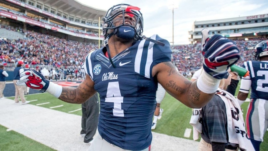 OXFORD, MS - OCTOBER 18: Linebacker Denzel Nkemdiche #4 of the Mississippi Rebels prior to their game against the Tennessee Volunteers on October 18, 2014 at Vaught-Hemingway Stadium in Oxford, Mississippi. The Mississippi Rebels defeated the Tennessee Volunteers 34-3. (Photo by Michael Chang/Getty Images)